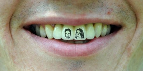 Tooth-tattoos-tatuirovki-na-zubah-7-490x245